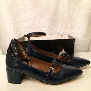 Metaphor navy patent womens shoes size 7 NEW